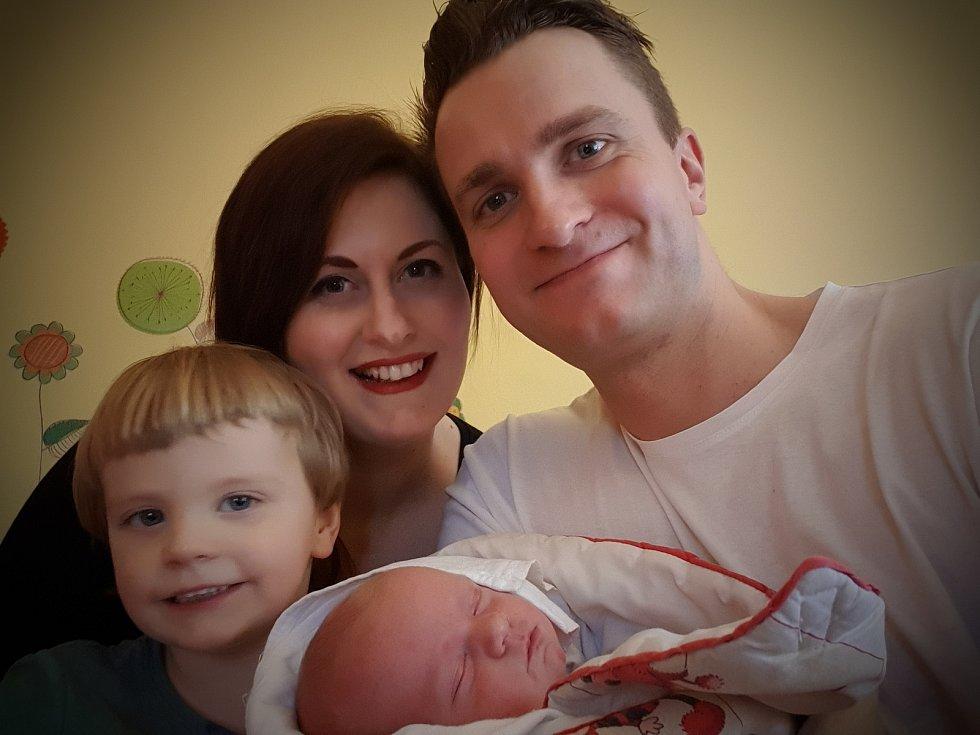 Maja Zeman se narodila 12. ledna ve 12:42 rodičům Pavle a Petrovi z Plzně. Při příchodu na svět v plzeňské nemocnici U Mulačů vážila sestřička tříletého Dominika 3850 gramů a měřila 49 centimetrů.