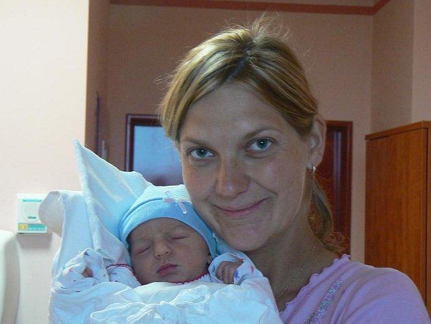 Magdě a Lukáši Sýkorovým zKrašovic se 26. 9. v17.48 hod. narodil vplzeňské fakultní nemocnici prvorozený syn Hugo (3,72 kg, 53 cm)