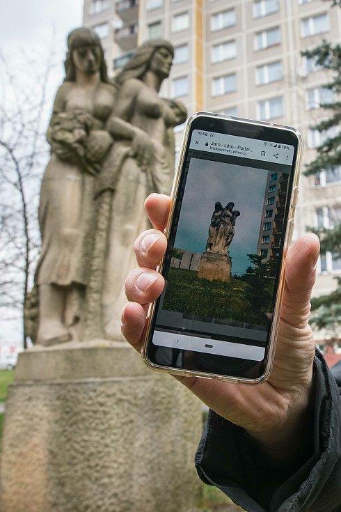 Pískovcové sousoší Jaro - Léto - Podzim - Zima a nedatovaná historická fotografie (Státní oblastní archiv v Plzni).