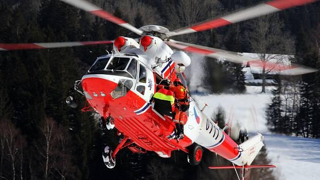 Michal Budějovský fotí hlavně vrtulníky, cení si především snímků, které nemá nikdo jiný