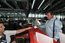 Pavel Vrba na ruzyňském letišti