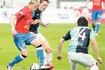 JEDOU NA MORAVU. Fotbalisté Viktorie Plzeň se mohou opět posunout blíže vysněnému ligovému titulu. K tomu je ale zapotřebí v sobotním utkání v Brně zvítězit.