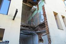 Rekonstrukce stacionáře v Kostelní ulici v Merklíně zkomplikovala dřevomorka.