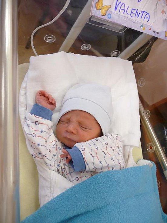 Václav (3,32 kg, 50 cm) přišel na svět 27. února v 7:32 v plzeňské fakultní nemocnici. Z narození svého prvorozeného chlapečka se radují rodiče Alena a Václav Valentovi z Plzně.