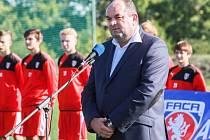 Předseda FAČR Miroslav Pelta se v Plzni zúčastnil  slavnostního  otevření první Regionální fotbalové akademie.