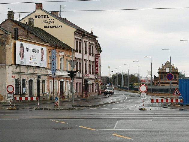 Uzavřená Borská ulice v Plzni