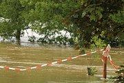 Zaplavená Malá Strana ve Starém Plzenci.
