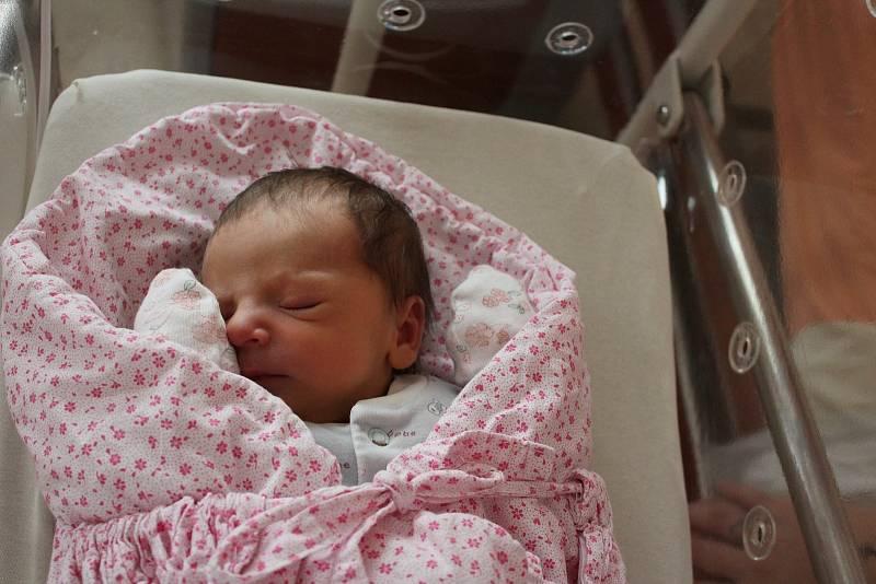 Adriana Holubová (2640 g) se narodila 25. září v 16:43 hodin ve Fakultní nemocnici v Plzni. Rodiče Veronika a Lukáš z Kozojed věděli dopředu, že jejich první miminko bude holka.