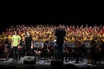 Dětské sbory zpívaly pro Stonožku