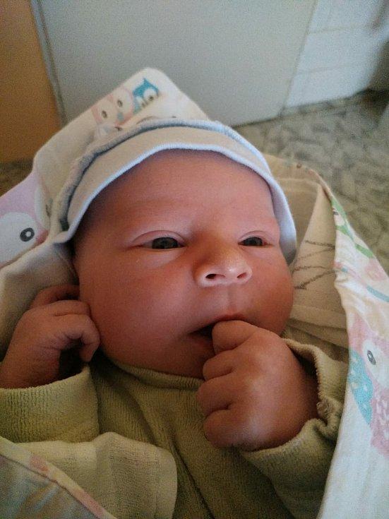 Vojtěch Stránský z Kamenného Újezdu u Rokycan se narodil v porodnici U Mulačů v Plzni 6. února 2021 v 17:20 hodin mamince Gabriele a tatínkovi Jiřímu. Po příchodu na svět vážil 3965 gramů a měřil 50 centimetrů. Doma ho čekali bráškové Kryštof a Jurášek.