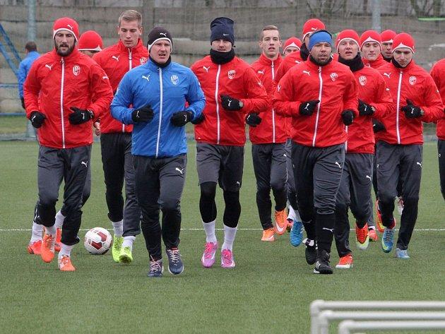 Fotbalisté Viktorie zahájili v sobotu přípravu na jarní část sezony.