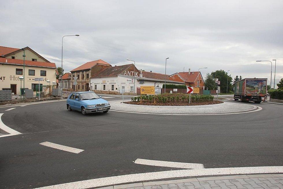 Nový kruhový objezd v Plzni-Křimicích
