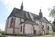 Kostel Všech svatých v Plzni na Roudné.