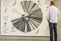 Až do 10. srpna tady návštěvníci mohou obdivovat kolekci téměř dvaceti velkoformátových  obrazů současných špičkových umělců, která již byla představena na devatenácti výstavách v Evropě.