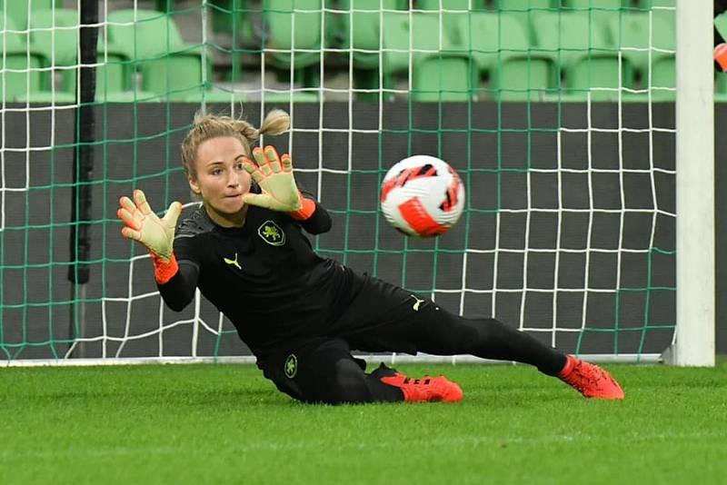 Barbora Votíková na srazu fotbalové reprezentace žen.