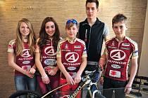 Prezentace Author Teamu se z mladých jezdců zúčastnili  (zleva)  Denisa Lukešová, Kateřina Vopatová, Martin Pešťák, Ondřej Paur a Daniel  Bittner