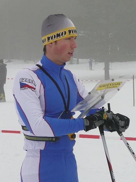Závodník KOS Plzeň Jiří Bouchal (na snímku) vybojoval na mistrovství České republiky v lyžařském orientačním běhu bronzovou medaili v sobotním závodu na krátké trati