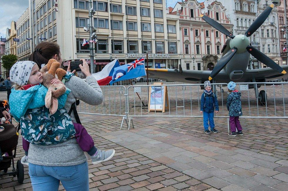 Slavnosti svobody v sadovém okruhu kolem náměstí v Plzni.