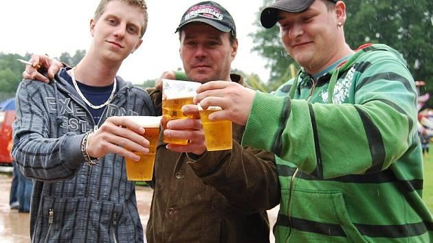 V Nečtinech na severním Plzeňsku se v sobotu 18. a v neděli 19. července konaly pivní slavnosti. Bohužel téměř celé propršely.