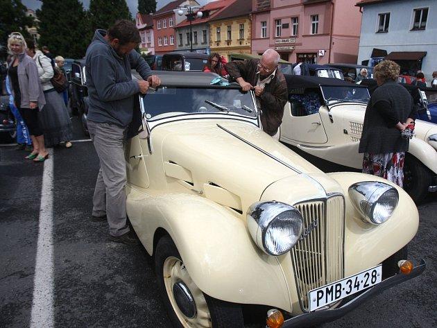Historické vozy projely jižním Plzeňskem
