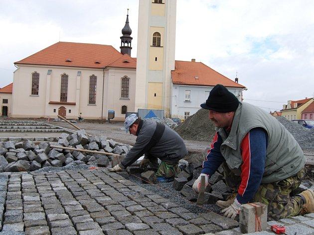 Rekonstrukce náměstí T.G.M. v Dobřanech