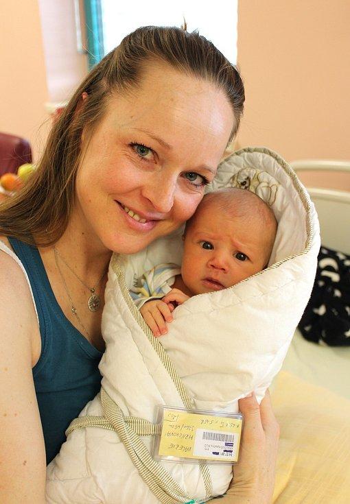Valerie Mrázková se narodila 25. ledna v 5:45 mamince Kateřině a tatínkovi Petrovi z Plané u Hromnic. Po příchodu na svět ve FN Plzeň na Lochotíně vážila sestřička sedmiletého Matěje 3260 gramů a měřila 49 centimetrů.