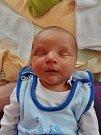 Viktor Komorous se narodil 24. dubna v 8:49 mamince Veronice a tatínkovi Václavovi z Lužan. Po příchodu na svět v plzeňské FN vážil bráška pětiletého Vašíka 3920 gramů a měřil 52 centimetrů