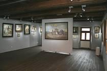 Obrazy Augustina Němejce vystavené v jeho rodném domě.