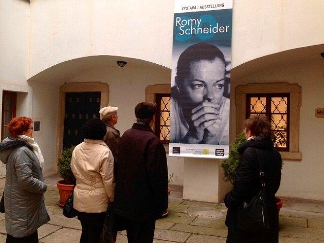 Minulý týden byla v Evropském domě zahájena výstava, která přibližuje život rakouské herečky Romy Schneider