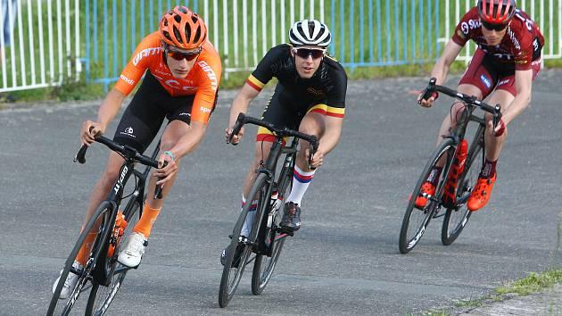 Minulý závod Il Sano Cupu v Plzni vyhrál Petr Kelemen z CCC Development Teamu (na snímku zcela vlevo). Kdo zvítězí v úterním pokračování série?