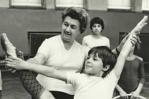 Hodina gymnastiky v roce 1983