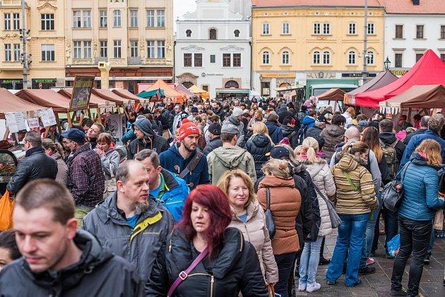 První farmářské trhy vPlzni vroce 2016.
