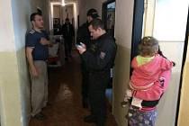 Během razie, která se uskutečnila i kvůli narůstajícímu násilí mezi ubytovanými, bylo zkontrolováno celkem 265 osob.