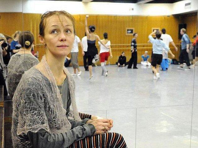 Choreografka Yelena Pankova při zkoušce baletu Raymonda v plzeňském Divadle J. K. Tyla. V sobotu je na programu premiéra
