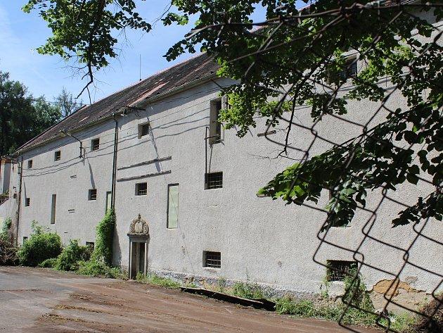 Barokní špejchar pod zámkem Zelená Hora. Foto: Deník/Pavel Korelus
