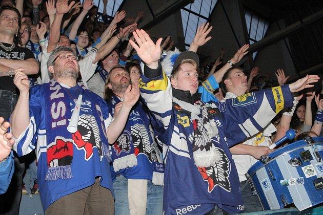 Fanoušci plzeňských Indiánů na zimním stadionu v Plzni