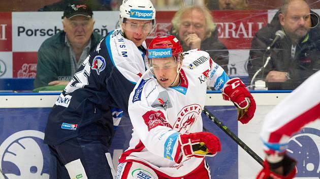 Marek Rubner (v modrém dresu) měl nabitý týden. V úterý hrál za juniory a ve středu a v pátek za A tým.