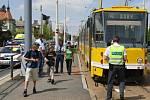 Na zastávce Ulice Boženy Němcové srazila v úterý odpoledne tramvaj muže