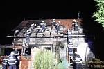 Požár pergoly a krovu rodinného domu v Čeminech.