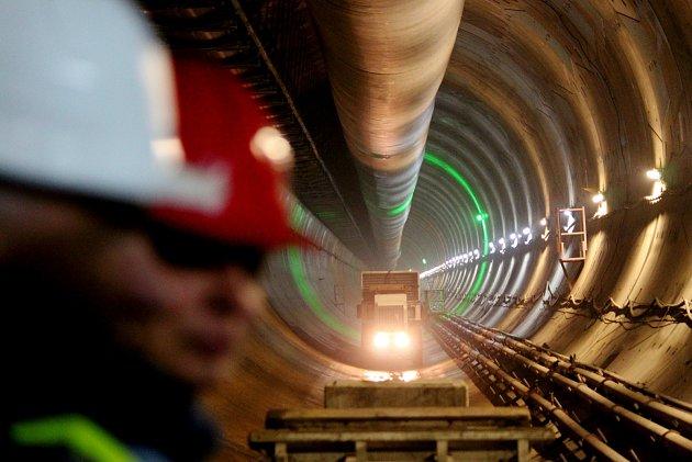 Pohled do tubusu budoucího železničního tunelu Ejpovice.