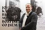 David Brabec je synem praneteře kardinála Berana a autorem výstavy, která je do 13. prosince zdarma přístupná v mázhausu plzeňské radnice.