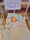 Matouš Knotek se narodil 15. října ve 14:21 mamince Monice a tatínkovi Michalovi. Po příchodu na svět v plzeňské fakultní nemocnici vážil bráška dvouleté Aničky 3870 gramů a měřil 52 centimetrů