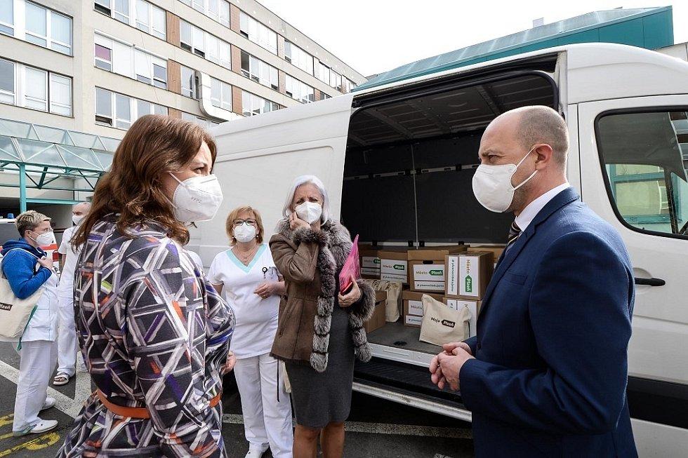 Plzeň poděkovala pracovníkům fakultní nemocnice.