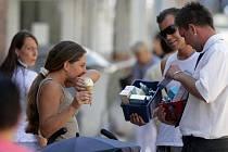 Prodej z kapsy nebo z kufru se v ulicích velkých měst objevuje čím dál častěji