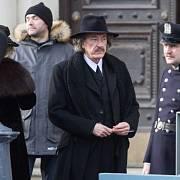 V Plzni natáčel slavný oscarový herec Geoffrey Rush, který v seriálu ztvární geniálního fyzika Alberta Einsteina.