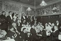 Stolní společnosti neodmyslitelně patřily k životu na přelomu 19. a 20. století