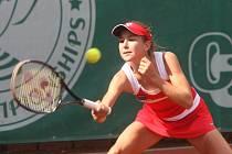 Individuální stříbro a zlato ve čtyřhře si  v Plzni vybojovala Švýcarka Belinda Benčičová, kterou  trénuje maminka Martiny Hingisové