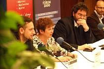 Debaty se účastnili i Martin Kameník ze sdružení Oživení, Vladimíra Dvořáková či šéfredaktor Respektu Erik Tabery