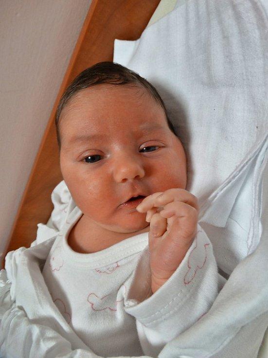 Rozálie Hlinková se narodila 23. prosince ve 4:06 mamince Evě a tatínkovi Martinovi zPlzně. Po příchodu na svět vplzeňské FN vážil bráška čtyřleté Sofinky a také maminčin dárek ksvátku 4080 gramů a měřil 53 centimetrů.