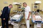 Neonatologické oddělení FN Plzeň dostalo nová vyhřívaná lůžka.